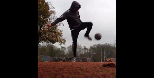 Photo de Inspiration : découvrez l'africain qui manie la balle comme Ronaldhino (vidéo)
