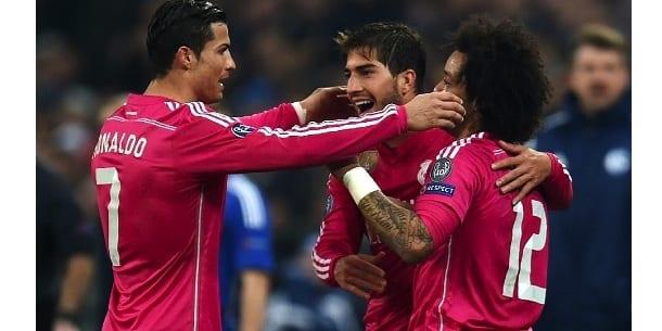 Photo de Ronaldo et ses coéquipiers sont à un pas des quarts de final