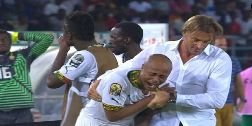 Photo de André Ayew très incosolable après la défaite des Black Stars