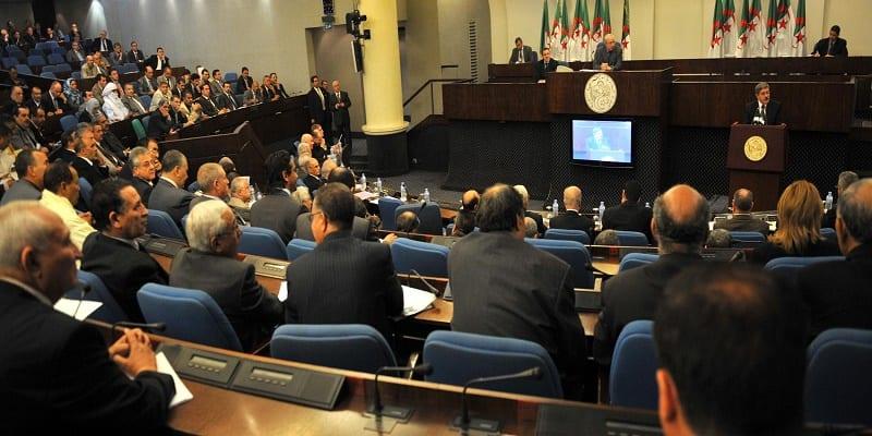 algerie–une-loi-contre-la-violence-faite-aux-femmes-enerve-les-conservateurs