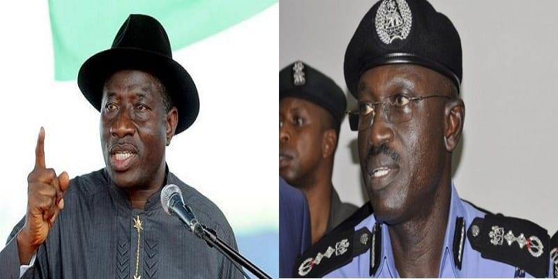 Photo de Avant de quitter le pouvoir, Goodluck Jonathan fait un règlement de compte au chef de la police