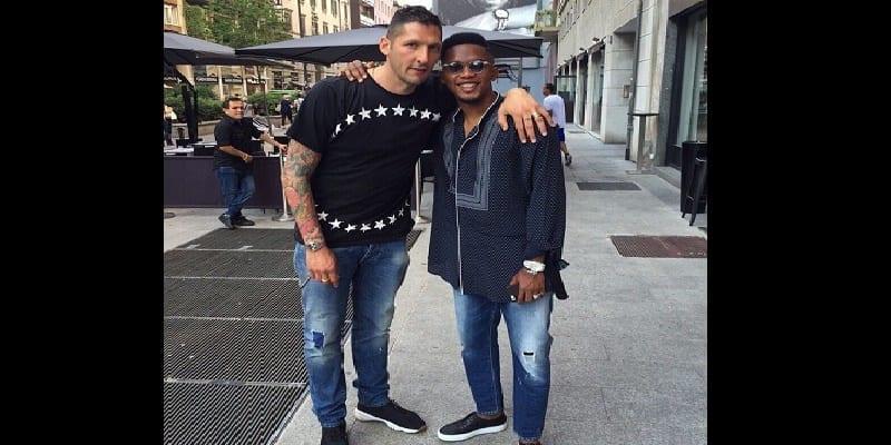 Photo de Samuel Eto'o avec son ancien coéquipier de l'inter de Milan Marco Materazzi