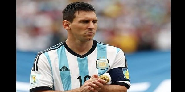 Photo de Copa América : vexé, Lionel Messi refuse un prix