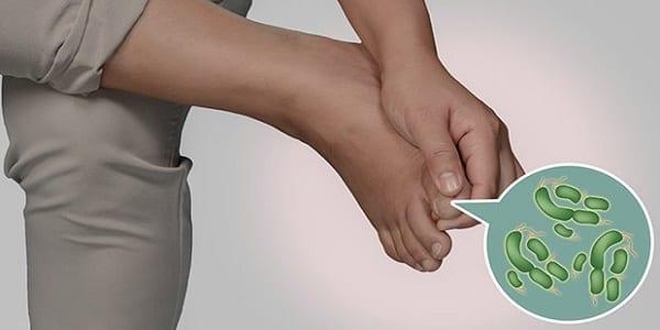 2-astuces-naturelles-pour-ne-plus-sentir-des-pieds