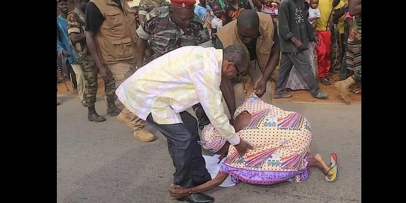 Photo de En Afrique le président de la République est souvent considéré comme un dieu