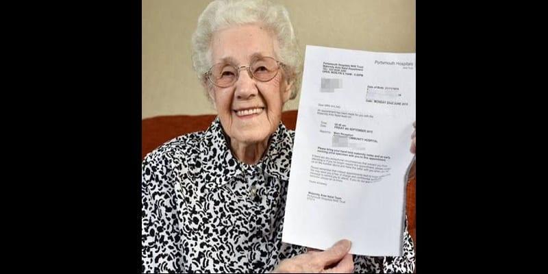 Photo de Royaume-Uni/ incroyable : à 99 ans, l'hôpital lui annonce qu'elle est enceinte