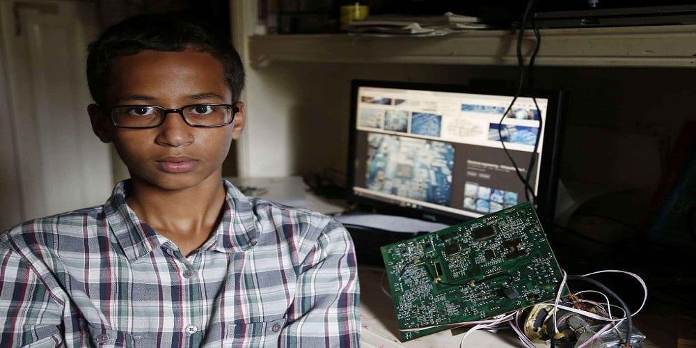 Photo de Un adolescent de 14 ans arreté pour avoir fabriqué une horloge