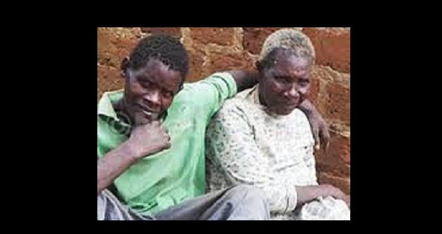 Photo de Ouganda: une femme de 75 ans marie un homme de 27 ans disant que l'amour n'a pas d'age limite