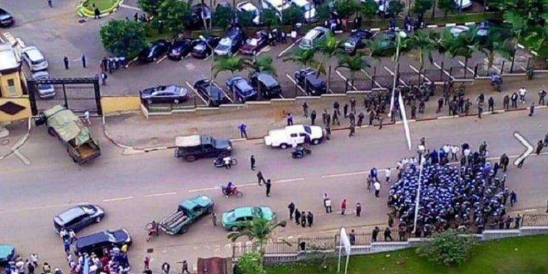 Photo de Cameroun: les militaires tentent de prendre Yaoundé en otage et d'encercler la primature