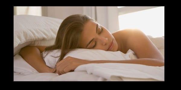Photo de Santé : découvrez les cinq vertus de dormir nu