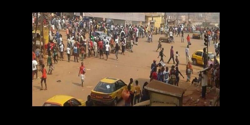 Photo de Cameroun: des délinquants déchainés attaquent un commissariat et pillent les commerçants du marché