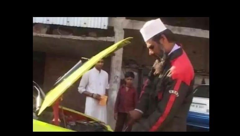 Photo de Un mécanicien indien conçoit une voiture qui fonctionne avec de l'eau: Vidéo