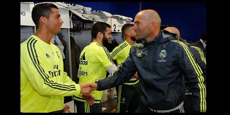 Photo de Cristiano Ronaldo fait l'éloge de son entraineur Zinedine Zidane