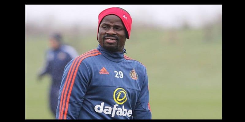 Photo de L'ivoirien Emmanuel Eboué suspendu pour un an par la FIFA…Les raisons!
