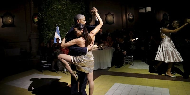 Photo de Barack Obama se révèle grand danseur du Tango