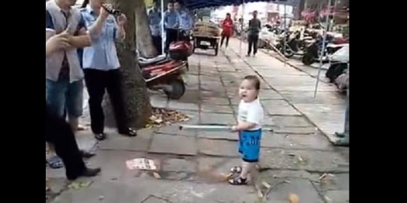 Photo de Chine: La vidéo, d'un enfant révolté contre la police menaçant sa grand-mère, censurée