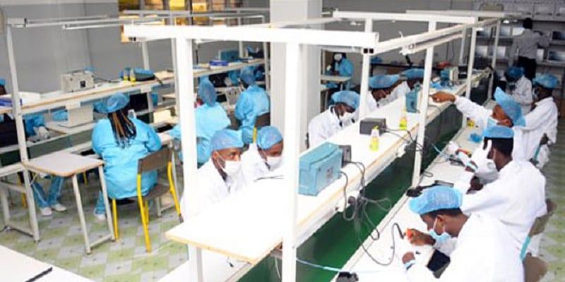 Photo de Cameroun : Une usine d'assemblage d'ordinateurs verra bientôt le jour