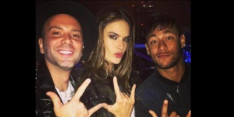 Photo de Neymar se lâche complètement après le titre ! (vidéo)