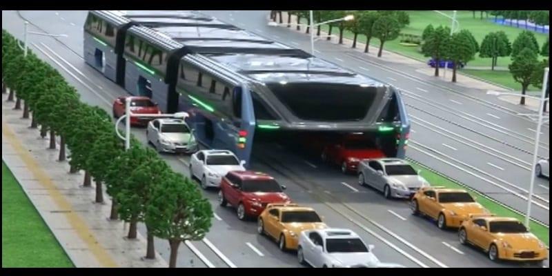 Photo de Chine: invention d'un tramway surélevé pour contourner les bouchons…Vidéo