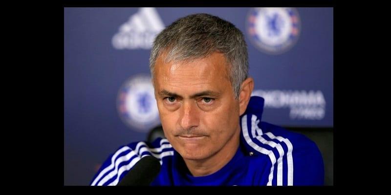 Photo de Un pays propose 16 millions d'euros à Mourinho pour qu'il dirige l'équipe nationale