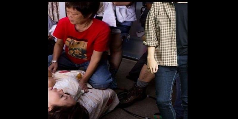 Photo de Insolite: Une famille chinoise assiste leur fils pendant qu'il perd sa virginité (PHOTO)