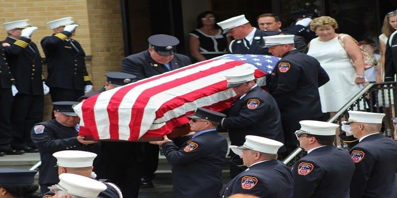 Photo de USA : mort le 11 septembre 2001, il a été enterré 15 ans après