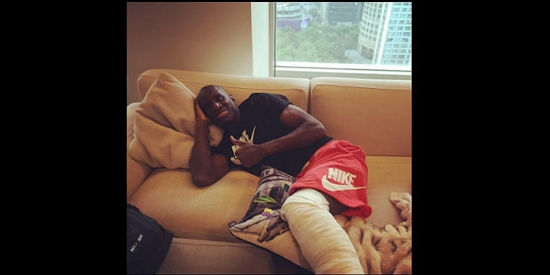 Photo de Le footballeur sénégalais, Demba Ba retourne à la maison après une intervention chirurgicale (photo)