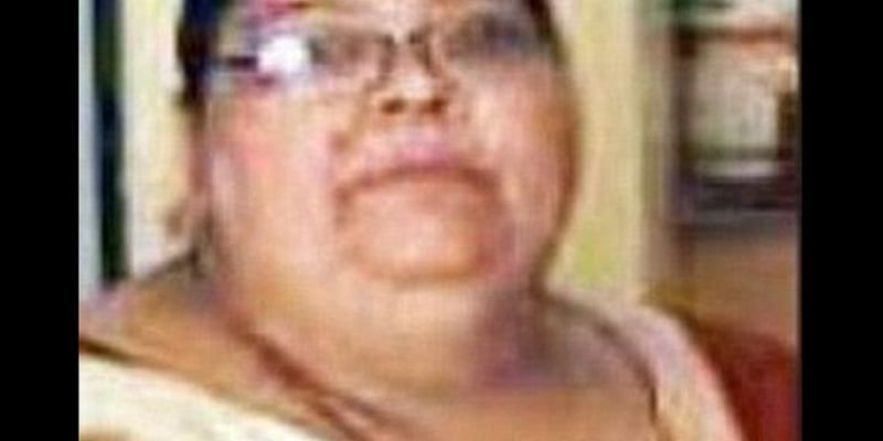 Photo de Inde: Une femme obèse glisse de l'escalier et tombe sur son mari avec son poids, les tuant tous les deux