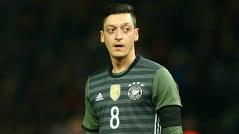 Photo de Mezut Ozil remercie la France dans un joli message