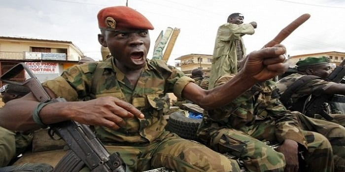 Photo de Côte d'Ivoire:Après les pillages de Bouake, le président Ouattara met l'armée en état d'alerte