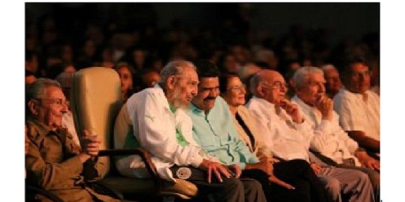 Photo de Cuba : Pour fêter ses 90 ans, Fidel Castro s'est habillé aux couleurs de l'Algérie (Vidéo)