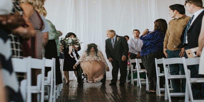 Photo de Paralysée, elle marche le jour de son mariage (Photos)