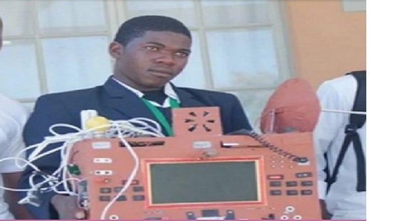 Photo de Namibie: Un élève invente un téléphone sans SIM