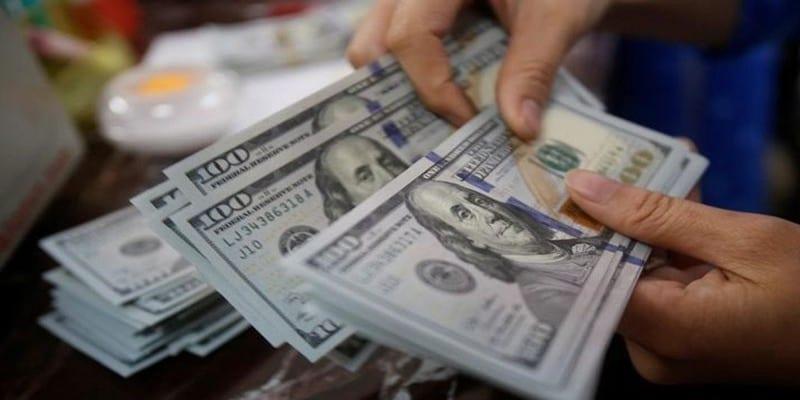 Photo de États-Unis : Incroyable, elle braque une banque et découvrez ce qu'elle fait des billets