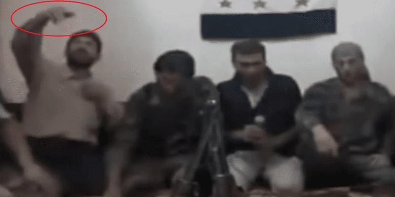 Photo de Vidéo: Des rebelles syriens voulant faire un selfie, déclenchent une explosion