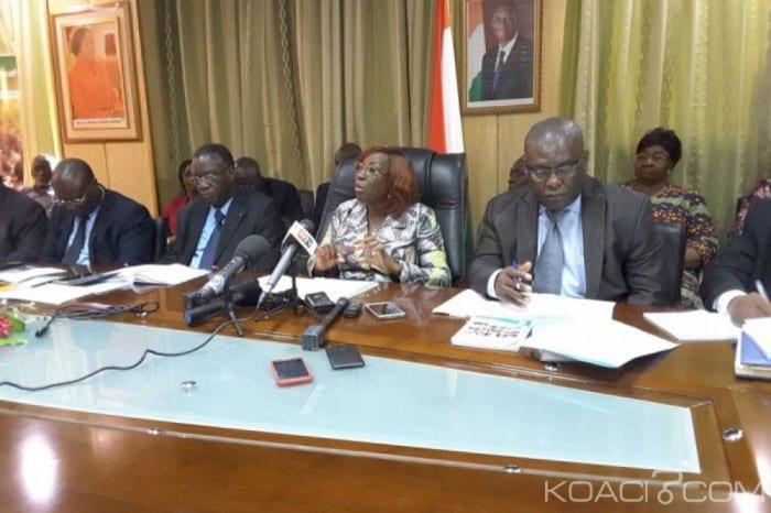 Photo de Côte d'ivoire: Les salaires des enseignants dévoilés par Kandia Camara