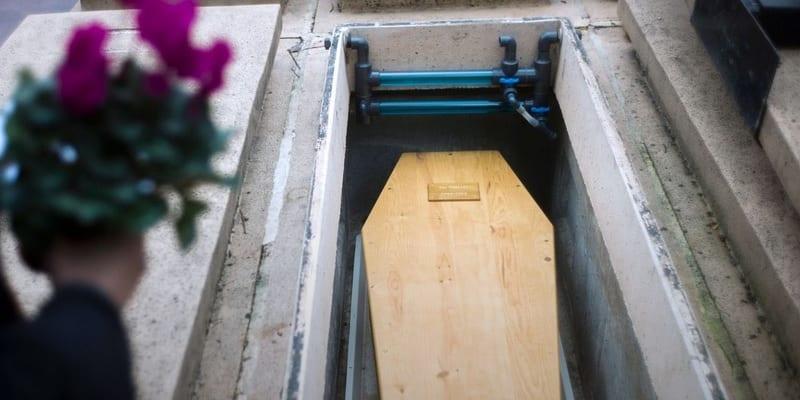 Photo de Décédée, elle reçoit ses impôts au cimetière