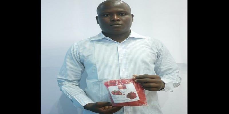 Photo de Un nigérien invente un séchoir à charbon minéral qui transforme et conserve la tomate