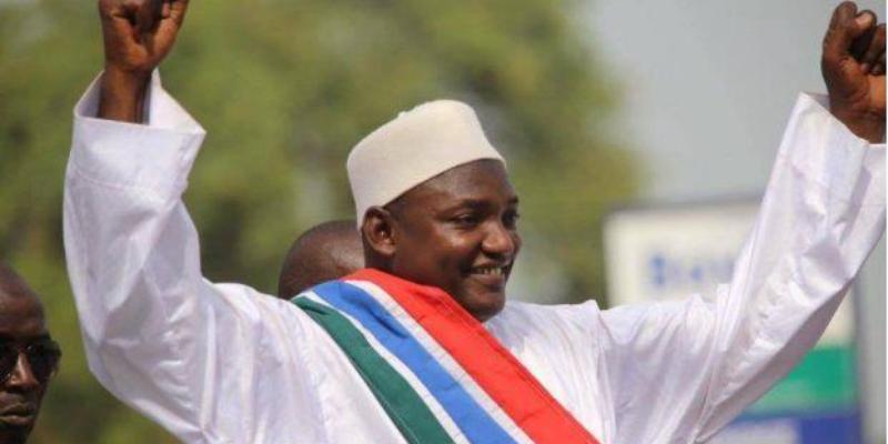 Photo de Gambie: Fatigué, Barrow décide de se proclamer président le 18 janvier 2017…Explications
