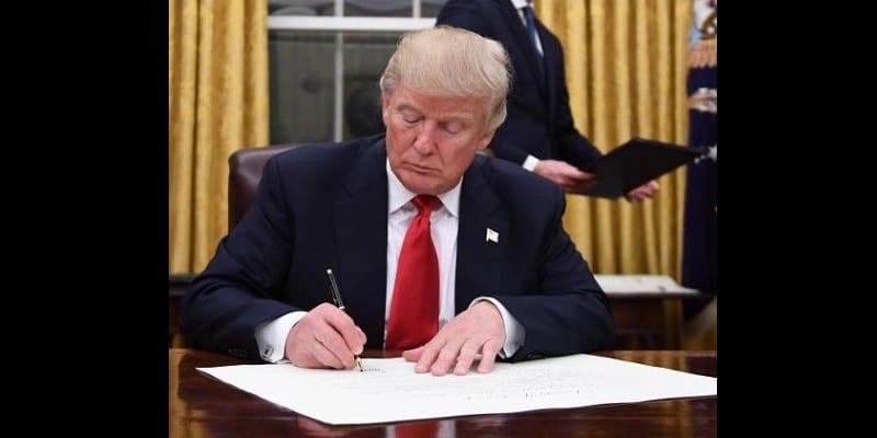 Photo de USA:  Le tout premier décret signé par Donald Trump fait des mécontents …Explications