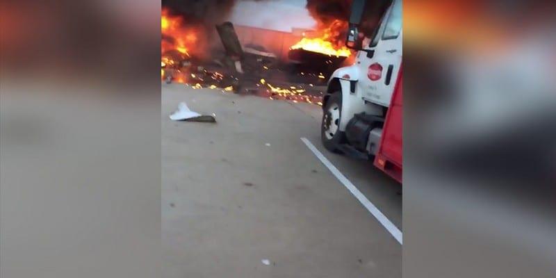 Photo de USA-Vidéo: Deux avions entrent en collision en plein vol au Texas….Explication
