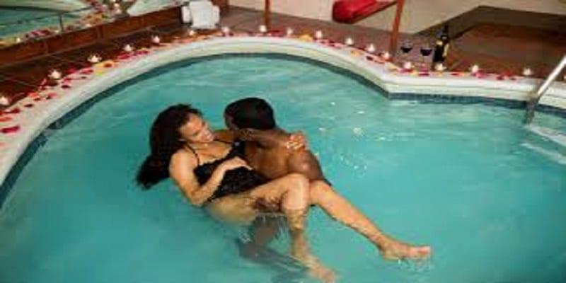 Photo de Santé: voici pourquoi faire l'amour dans l'eau est très risqué!