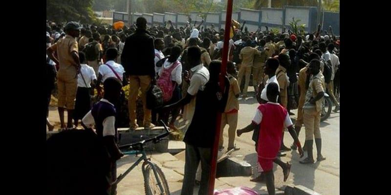 Photo de Côte d'ivoire: En raison de la grève des fonctionnaires, les élèves subissent les conséquences…Explications