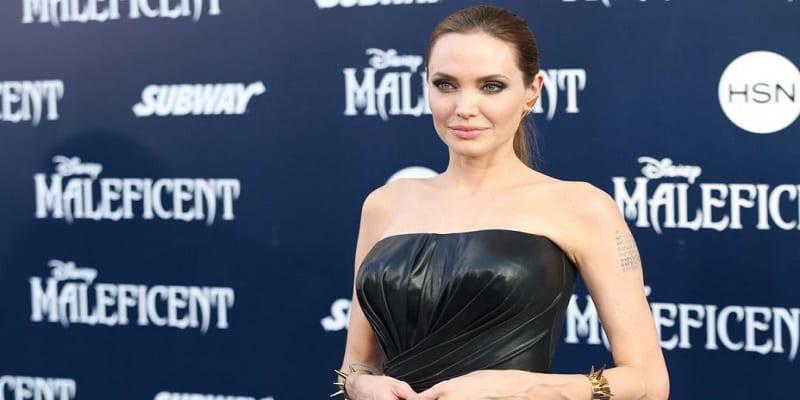 Photo de PHOTO: Après des moments difficiles, Angelina Jolie serait heureuse dans les bras d'un célèbre acteur…Les raisons