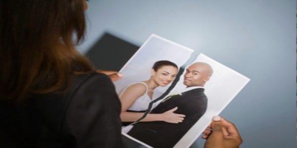 Photo de Confidence: « Mon mari a vendu tous nos biens et a quitté le pays »