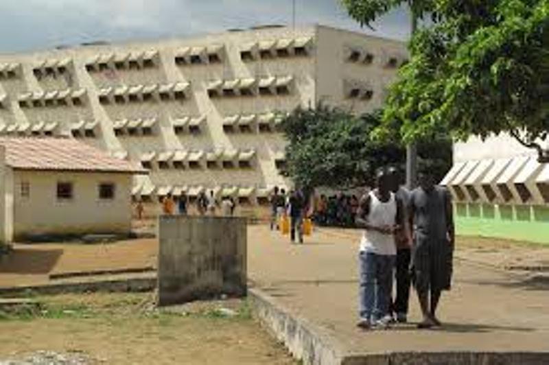 Photo de Côte d'Ivoire: un policier chef de gang écope d'une lourde peine de prison