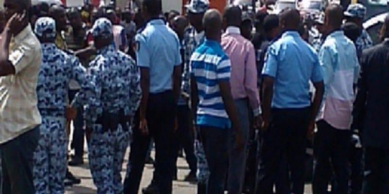 Photo de Côte d'Ivoire: Affrontement entre la Police et la Douane à Abidjan