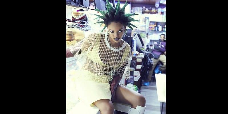 Photo de Un magazine fait une nouvelle coiffure à Rihanna. La coupe de cheveux fait le buzz
