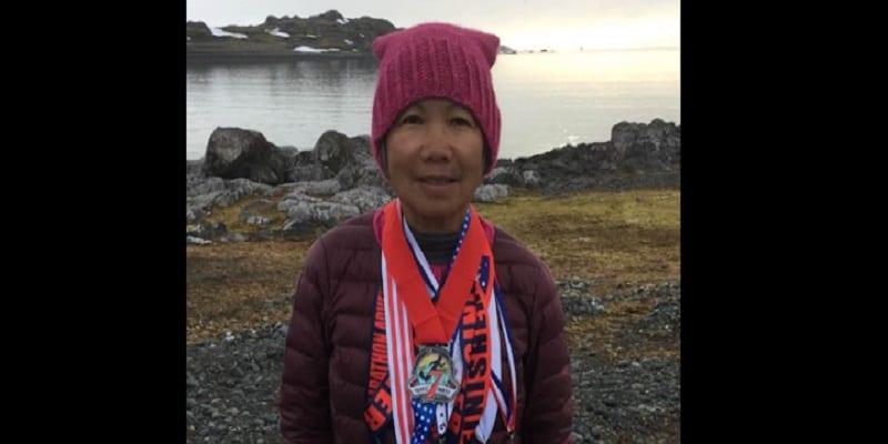 Photo de Chau Smith, la femme de 70 ans qui a couru 7 marathons sur 7 continents en 7 jours