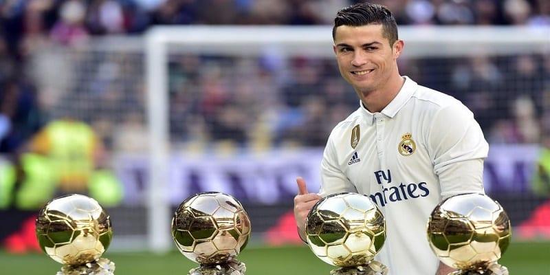 Photo de Cristiano Ronaldo, premier joueur de l'Histoire à inscrire 100 buts en Ligue des Champions, des internautes pas d'accord: la raison